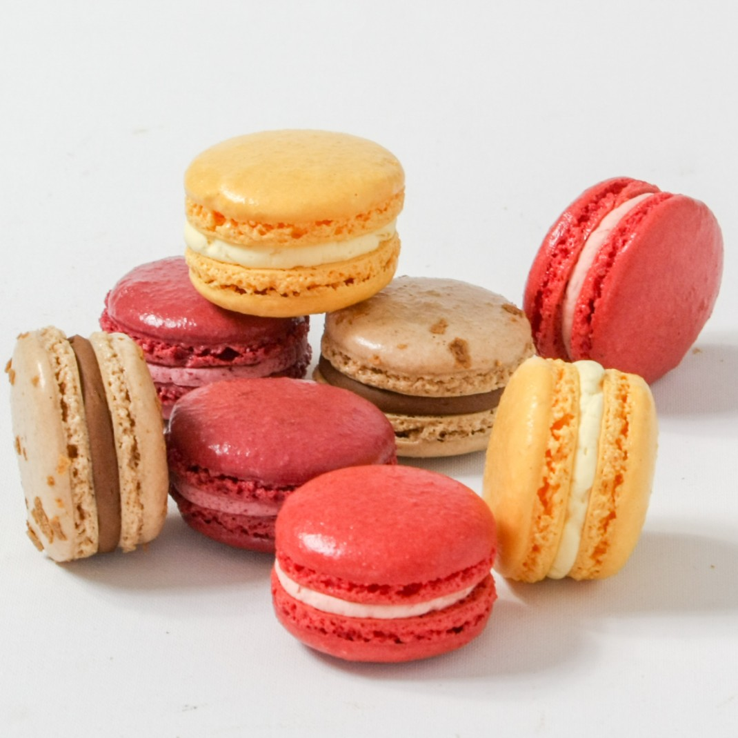 Parisian Macaroons: Strawberry