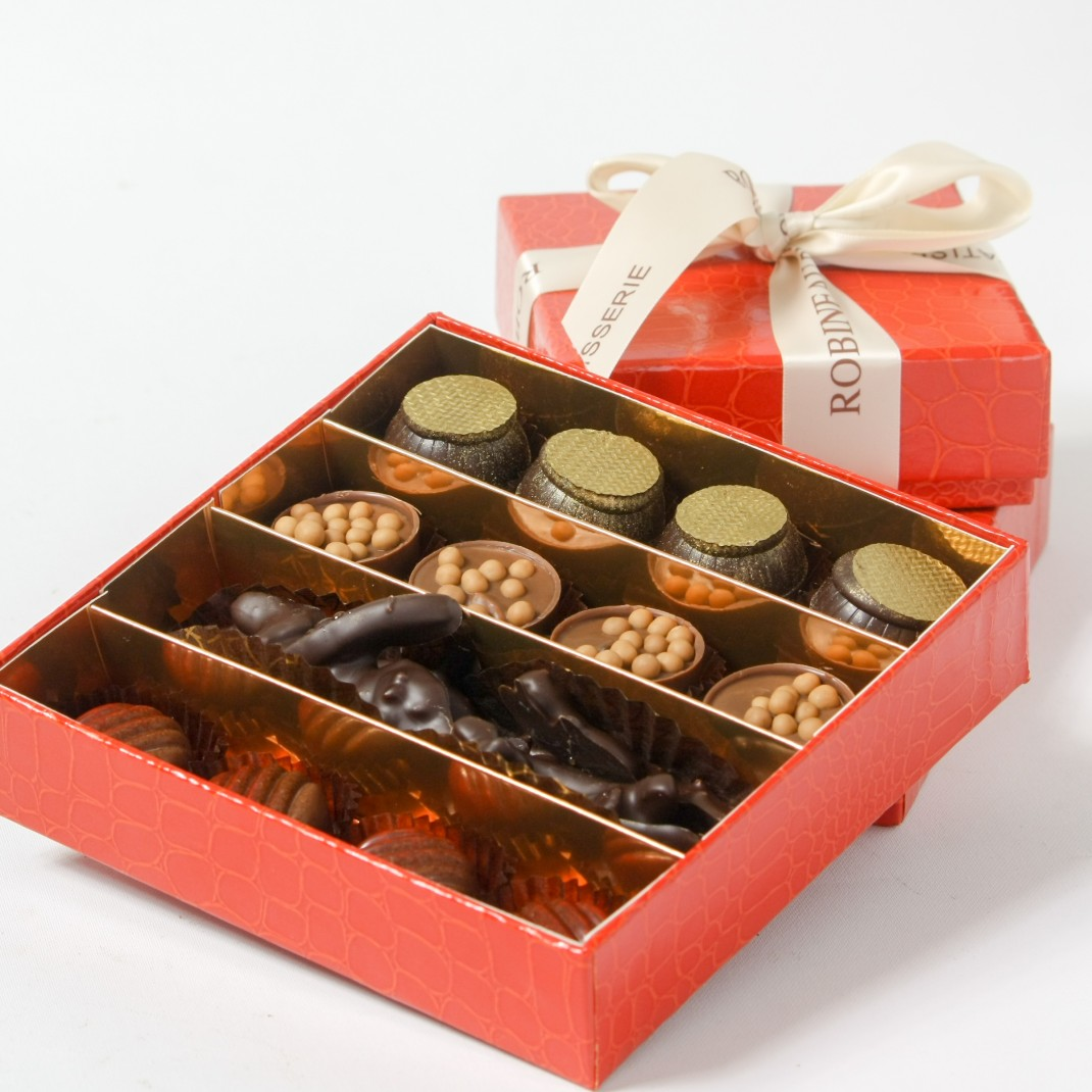 A Gift Box of 16: Chocolate Selection